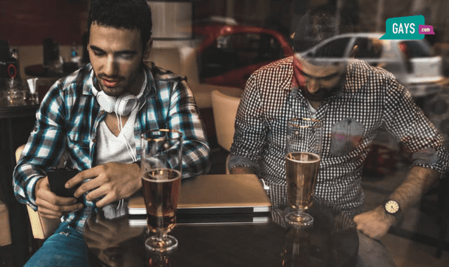 gay dating checking mobile phone